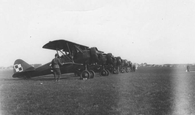 Doskonałe Polskie samoloty szkolno-bojowe PWS-26. Dęblin 1937r.