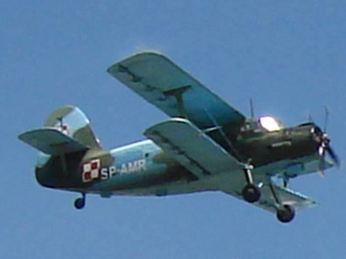 An-2 rej SP-AMR. Samolot w wojskowych barwach, ale już cywilnego użytkownika. Małopolski Piknik Lotniczy Czyżyny 2007r.