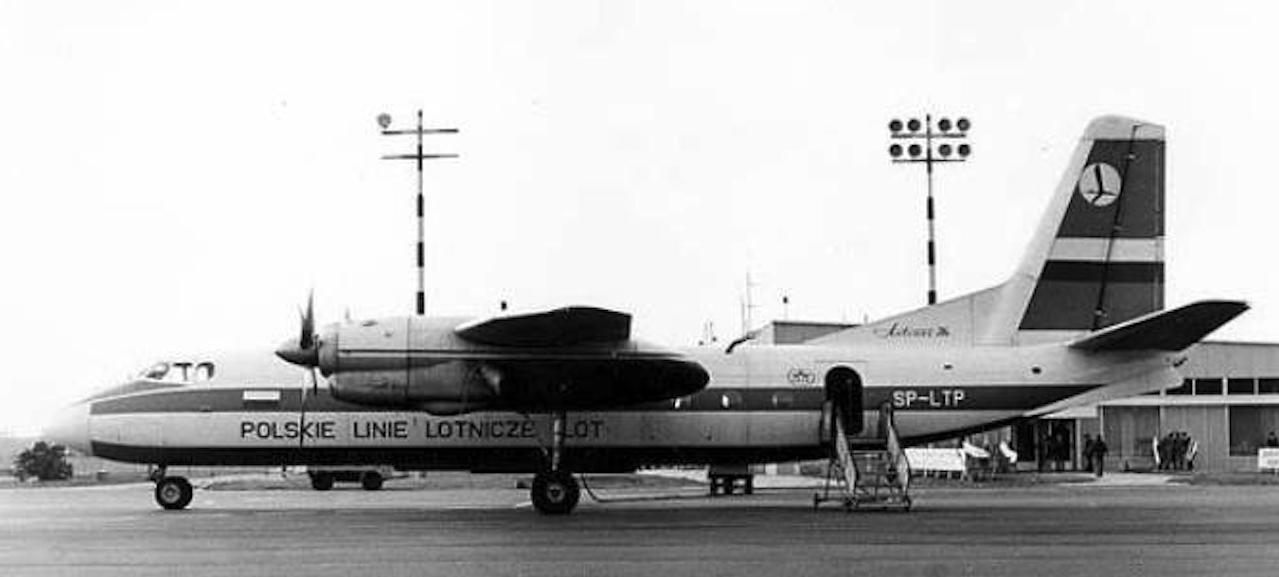 An-24 Nr 67302802 rejestracja SP-LTP Poprad na lotnisku Babimost. 1977 rok. Zdjęcie LAC
