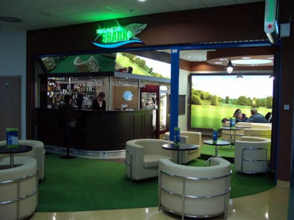 Jeden z barów w Terminalu. 2009 rok. Zdjęcie LAC