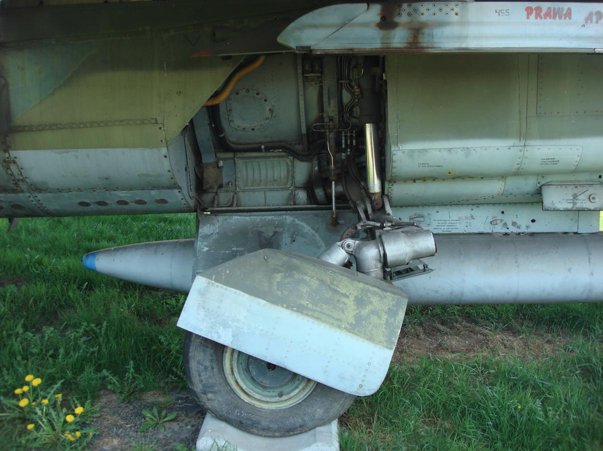 MiG-23 nb 120, Czyżyny 2009 rok. Zdjęcie Karol Placha Hetman