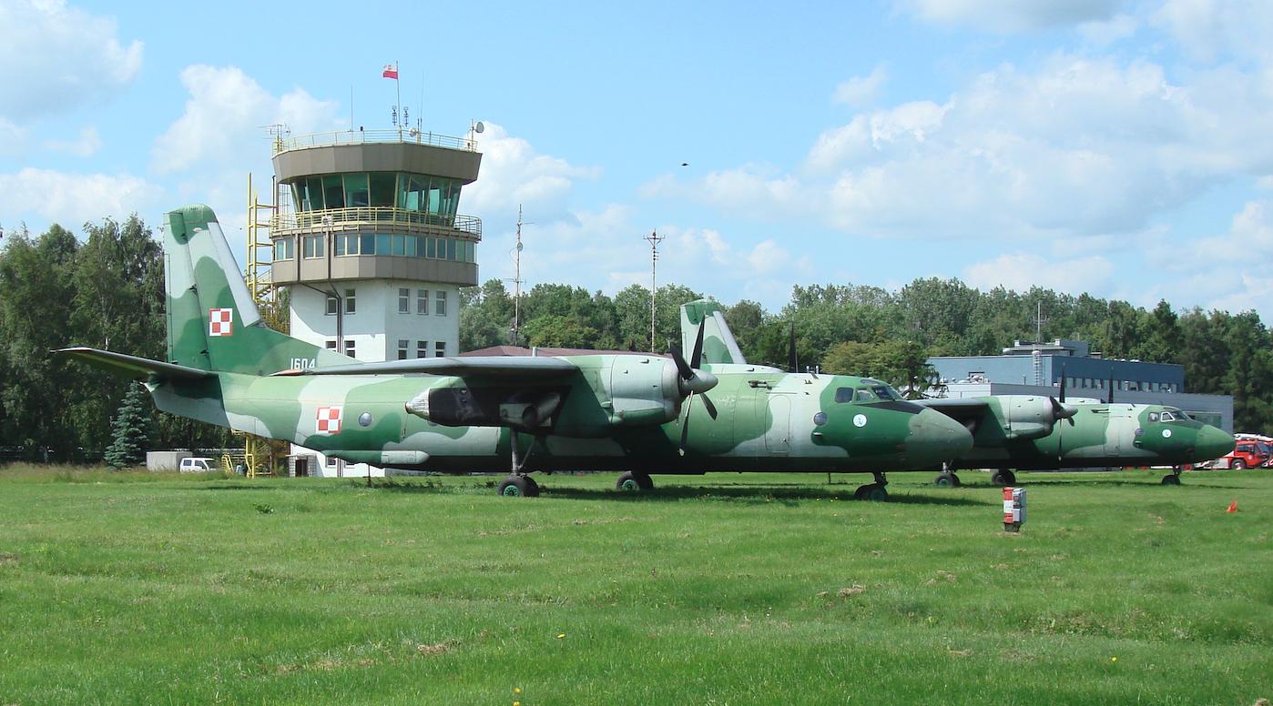 An-26 nb 1604. Balice 2009. Photo by Karol Placha Hetman
