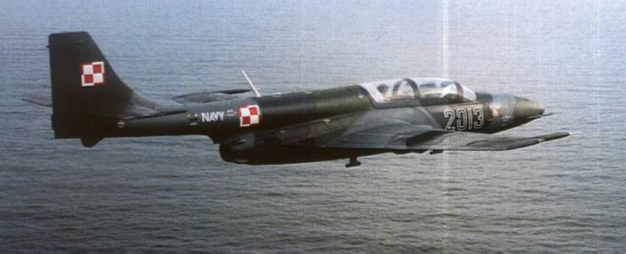 TS-11 Iskra R nr 3H 20-13 w locie nad Bałtykiem. 1999 rok. Zdjęcie LAC