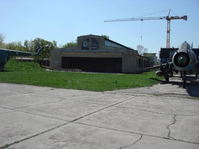 Mniejszy hangar MLP. 2009r.