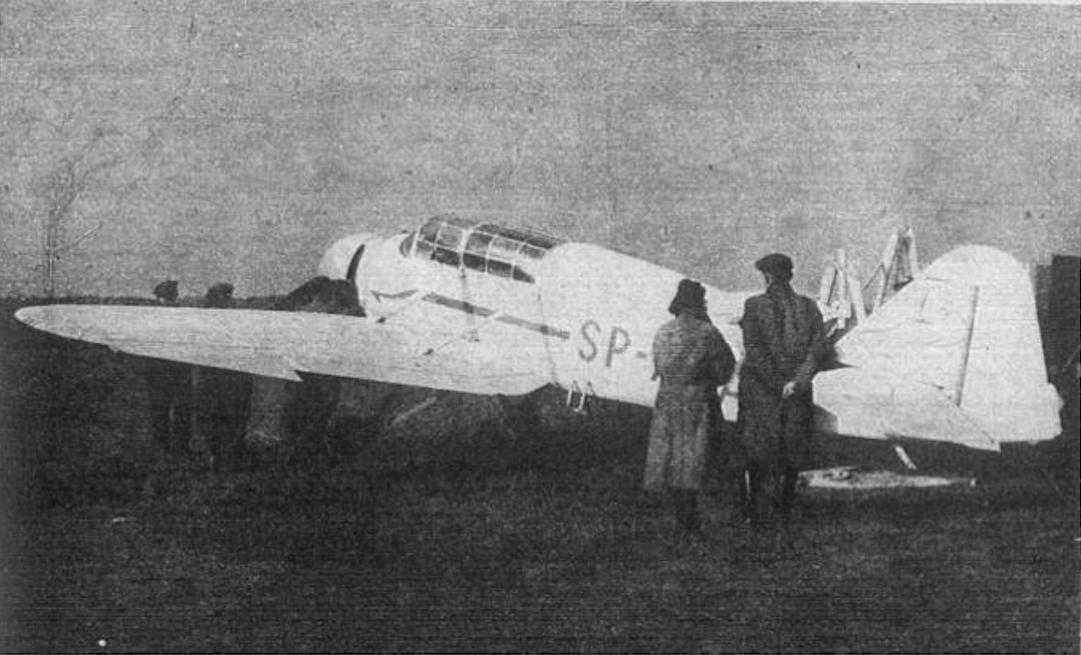 LWD Szpak-2 rejestracja SP-AAA. Pierwszy zbudowany i eksploatowany po drugiej wojnie światowej Polski samolot. Około 1946 roku. Zdjęcie LAC