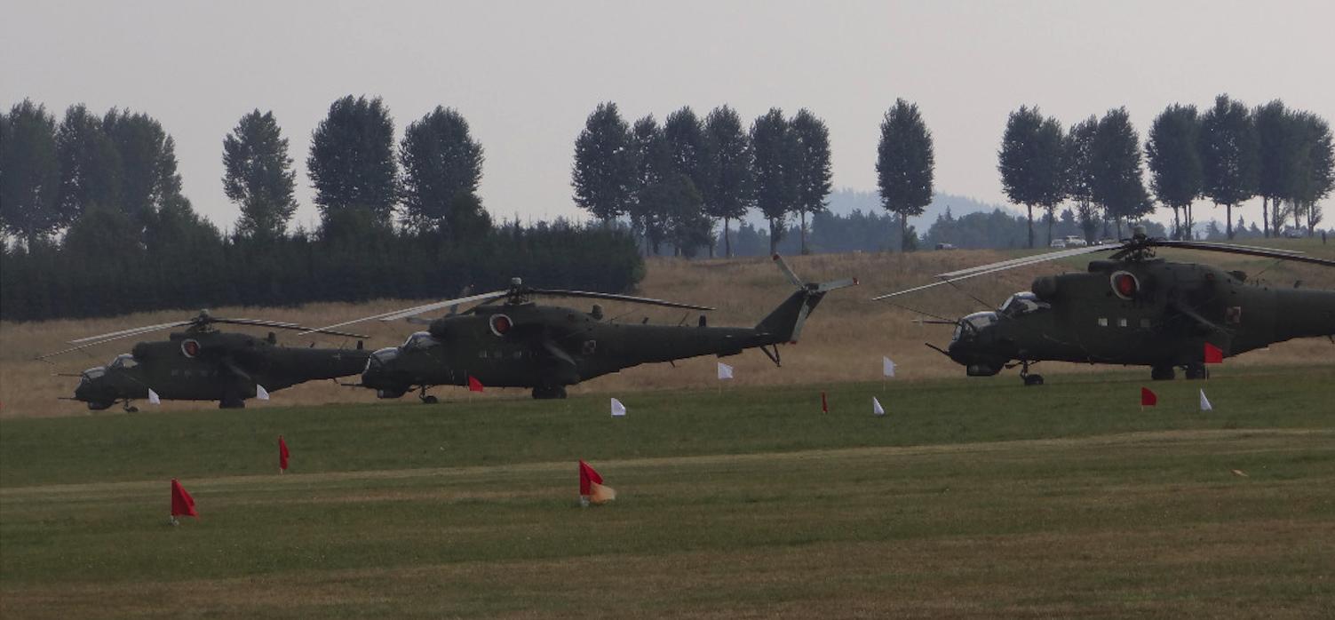 Mil Mi-24 Nb 732, 737, 741. 2015 rok Zdjęcie Karol Placha Hetman