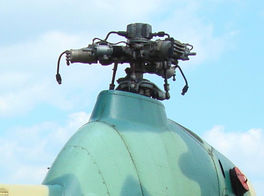 Mi-2. Głowica wirnika nośnego. 2008 rok. Zdjęcie Karol Placha Hetman