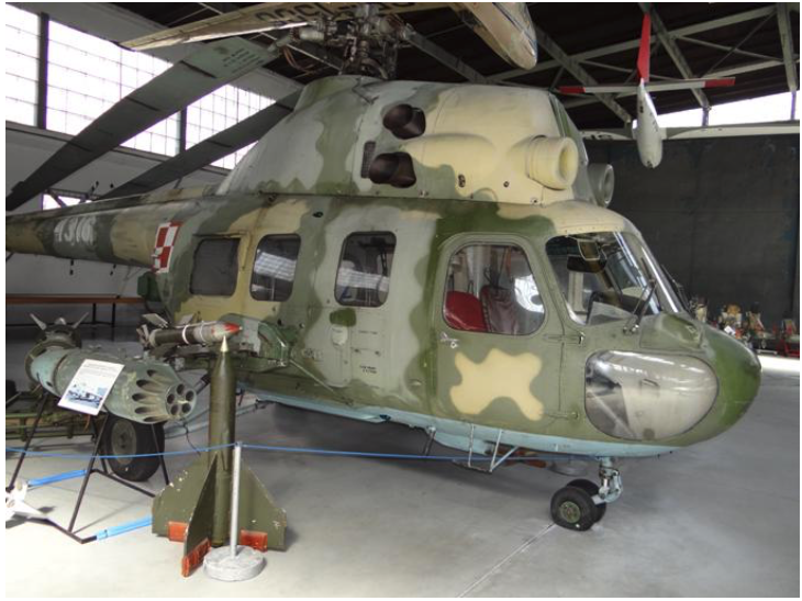Mi-2 nb 4316 w wersji szturmowej w Muzeum Lotnictwa Polskiego w Czyżynach 2012 rok. Zdjęcie Karol Placha Hetman