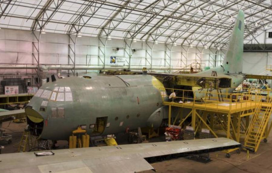 Lockheed C-130 E nb 1501 podczas remontu w USA. 2008 rok. Zdjęcie PSP