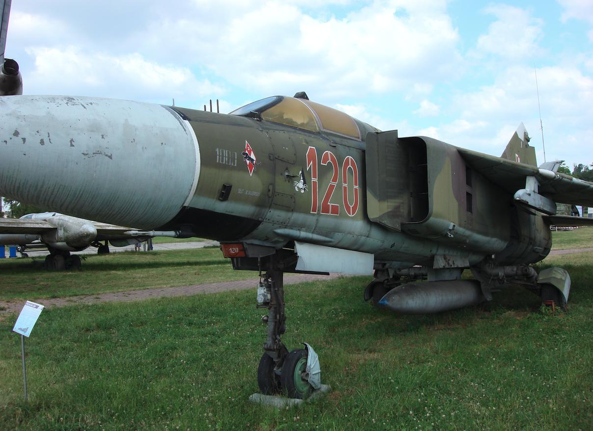 MiG-23 nb 120, Czyżyny 2008 rok. Zdjęcie Karol Placha Hetman