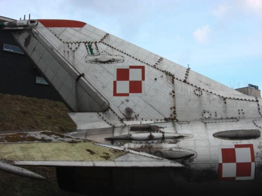 MiG-21 U nb 1217 usterzenie. Czyżyny 2009 rok. Zdjęcie Karol Placha Hetman