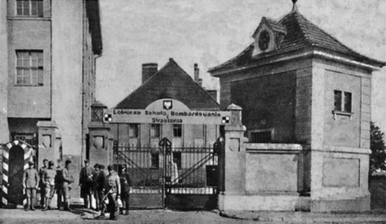 Lotnicza Szkoła Bombardowania i Strzelania. Grudziądz około 1930 rok. Zdjęcie LAC
