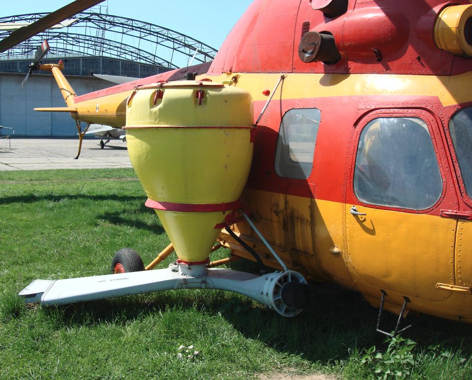 Mi-2 R do opylania z kanałami. 2009 rok. Zdjęcie Karol Placha Hetman