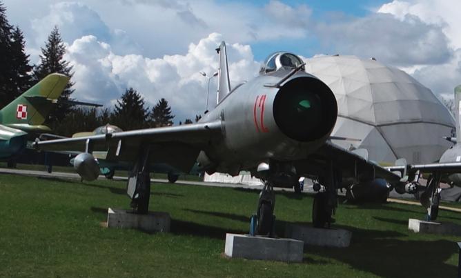Su-7 BKŁ nb 12. Dęblin 2017. Photo by Karol Placha Hetman