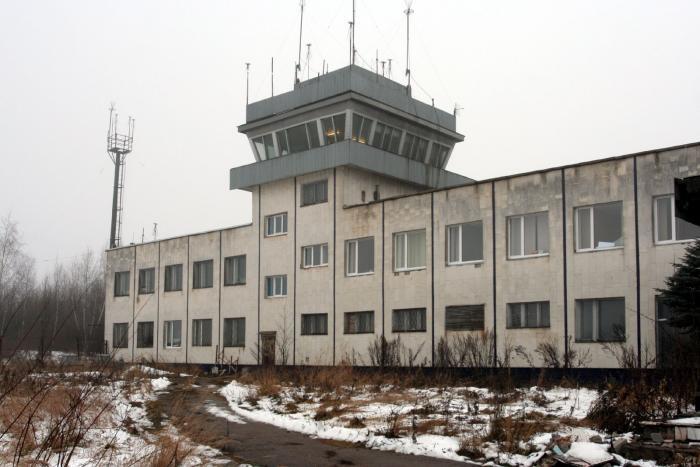 Port lotniczy Smoleńsk Południowy. 2010 rok. Zdjęcie LAC
