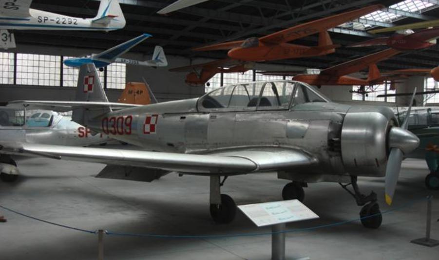 TS-8 Bies nb 0309 Muzeum Lotnictwa Polskiego Czyżyny 2010 rok. Zdjęcie Karol Placha Hetman