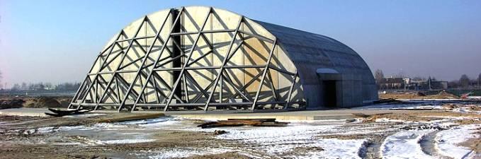 Schronohangar typu ciężkiego systemu NATO podczas budowy. 2006r.