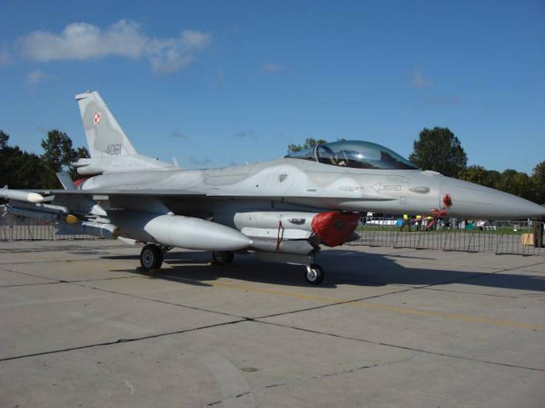 F-16 nb 4061 Jastrząb Mińsk Mazowiecki. 2008 rok. Zdjęcie Karol Placha Hetman