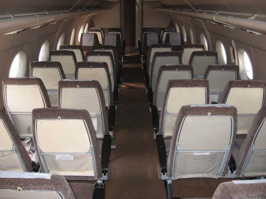 Kabina pasażerska An-24 W. Zdjęcie LAC