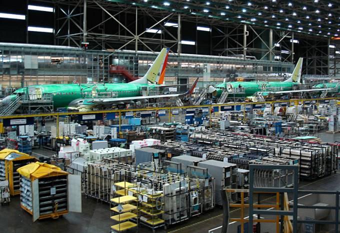 Boeing 737 na taśmie produkcyjnej. Renton 2011r.