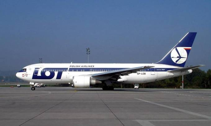 Boeing 767-200 ER SP-LOB Balice. 2004r.