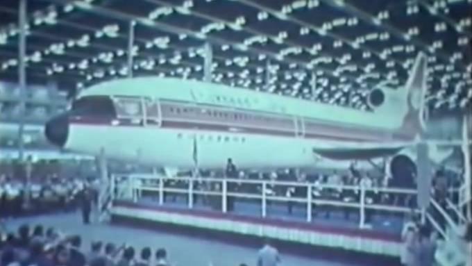 Prezentacja L1011. Przemówienie wygłasza Ronald Reagan, ówcześnie Gubernator Kalifornii. 1970 rok. Zdjęcie Lockheed
