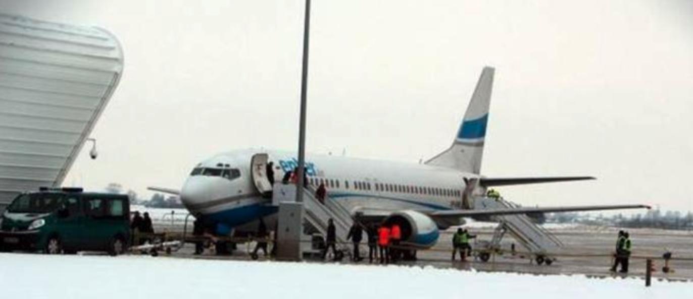 Pierwszy pasażerski samolot na Lotnisku Lublin. 2012 rok. Zdjęcie LAC