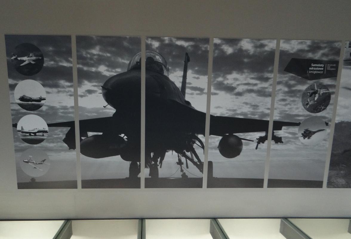 F-16 z systemem skracania dobiegu przy pomocy haka. Zamość 2019 rok. Zdjęcie Karol Placha Hetman