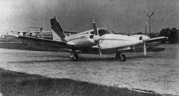 M-20 Mewa / PA-34 Seneca II ze śmigłami 2-łopatowymi. 1979r.
