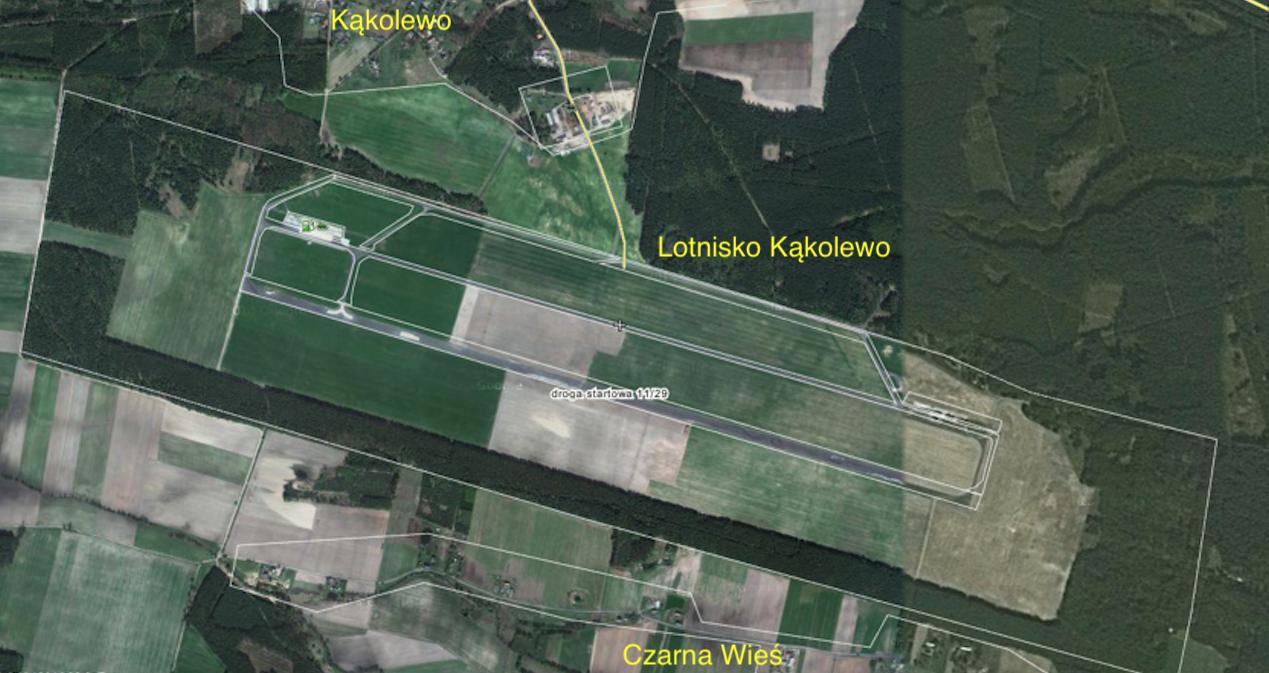 Lotnisko Kąkolewo 2014 rok. Zdjęcie Wikimapia