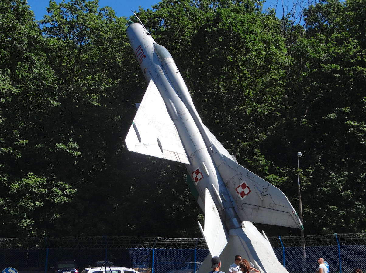 MiG-21 PF nb 0716. Babie Doły 2014 rok. Zdjęcie Karol Placha Hetman