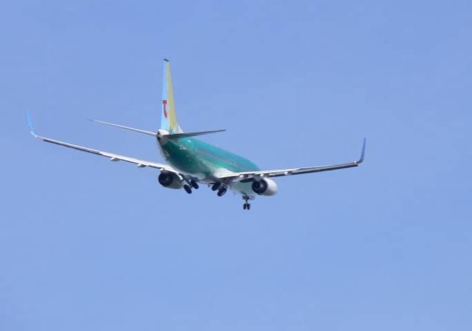 Oblot samolotu Boeing 737. Jak widać jeszcze nie jest pomalowany. Renton 2011r.
