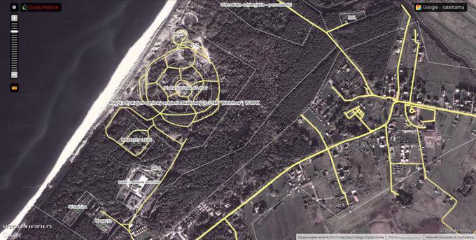 Kompleks byłego 43 Dywizjonu ogniowego artylerii rakietowej WOPK. Po prawej stronie miejscowość Bobolin. W górze, po prawej stronie miejsce systemu lądowania RSL. 2013r.