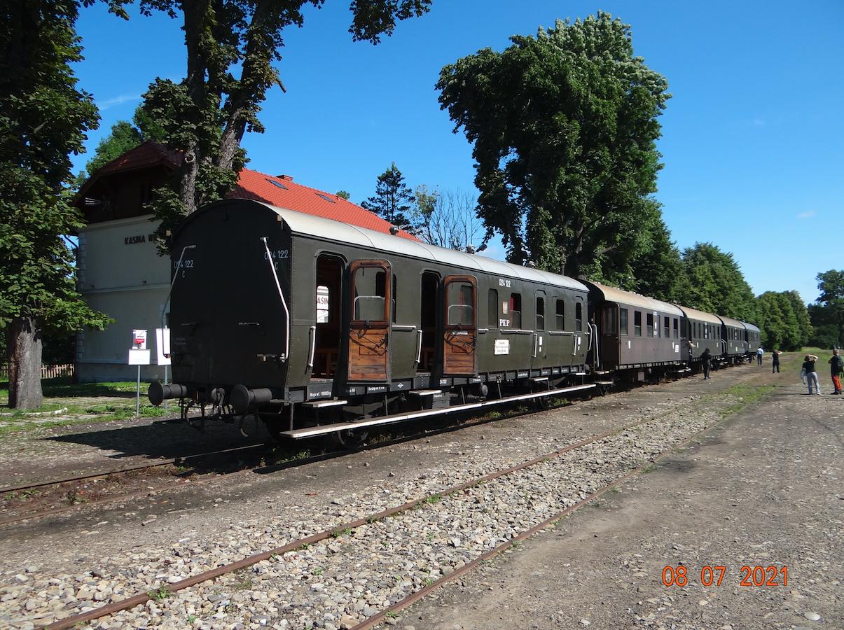 Wakacyjny pociąg Retro. 2021 rok. Zdjęcie Karol Placha Hetman