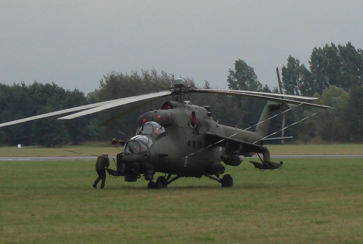 Mil Mi-24 Nb 725. 2007 rok. Zdjęcie Karol Placha Hetman