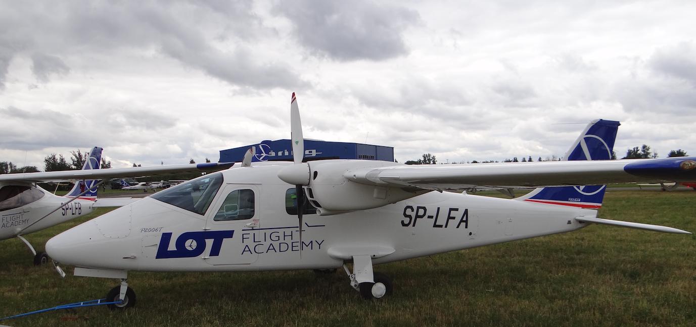 Lotnisko Piotrków Trybunalski. Tecnam P2006 T. 2018 rok. Zdjęcie Karol Placha Hetman