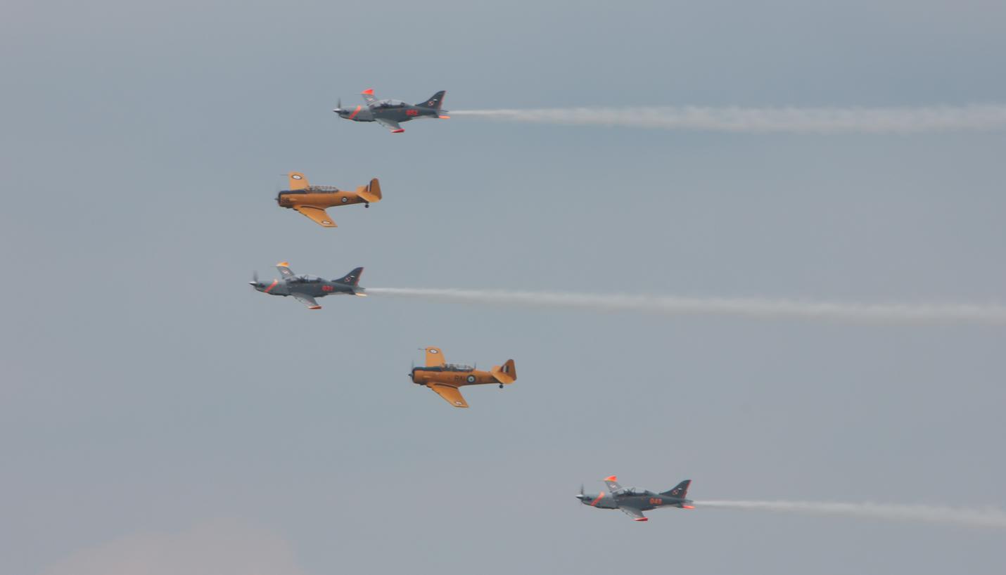 PZL-130 Orlik i Harvard. Babie Doły 2019 rok. Zdjęcie Waldemar Kiebzak
