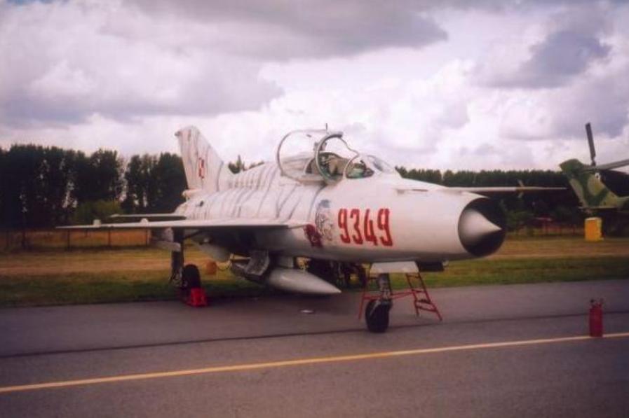 MiG-21 UM nb 9349. Radom 2003 rok. Zdjęcie Karol Placha Hetman