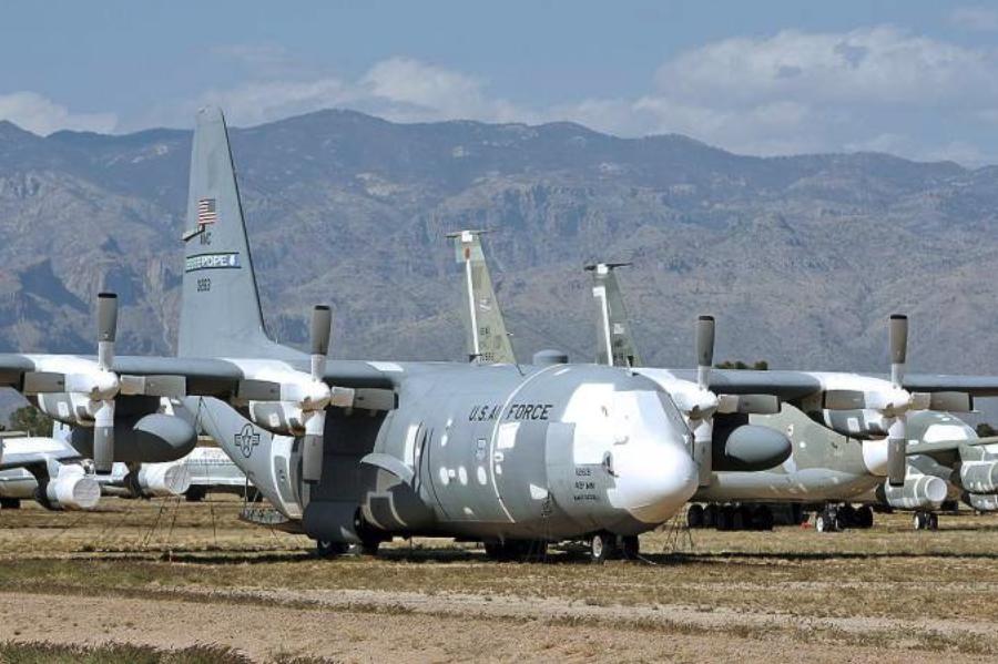 Nasz przyszły C-130 E nb 1505 nr 70-127763 zakonserwowany. 2007 rok. Zdjęcie LAC