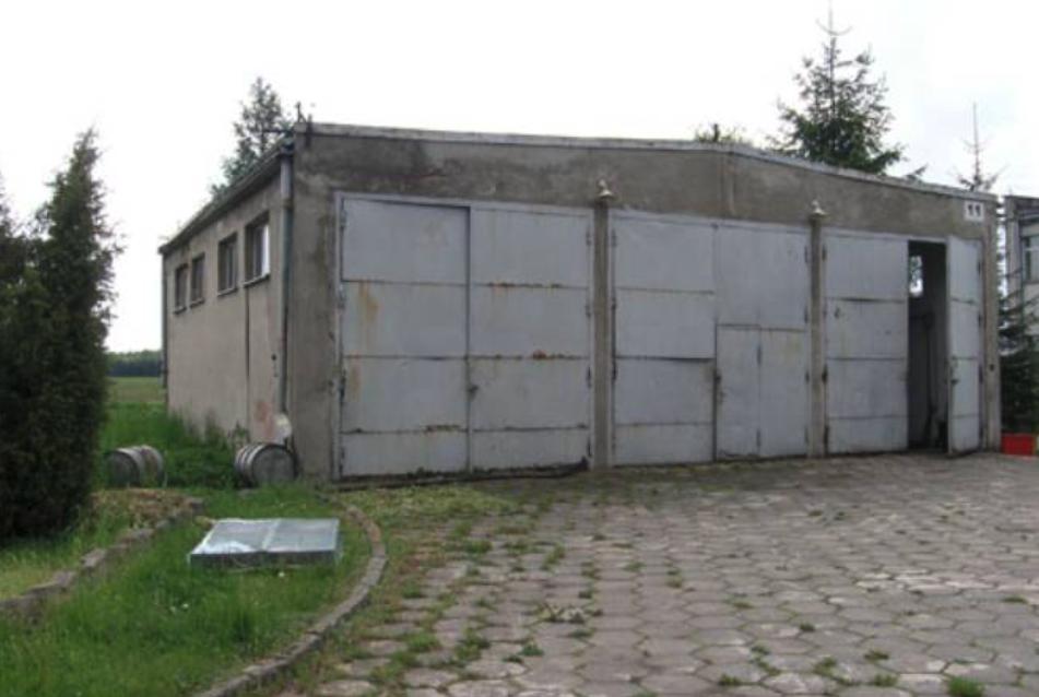 Jeden z garaży. 2009 rok. Zdjęcie AMW