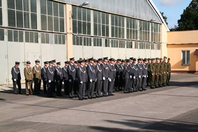 Ostatnie święto Wojska Polskiego obchodzone przez 36 SPLT i 1 Bazę Lotnictwa. Okęcie 10.08.2011r.