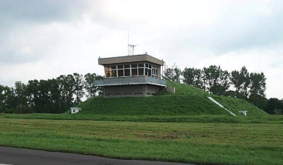 WKL na Lotnisku Mińsk Mazowiecki. 2008 rok. Zdjęcie LAC