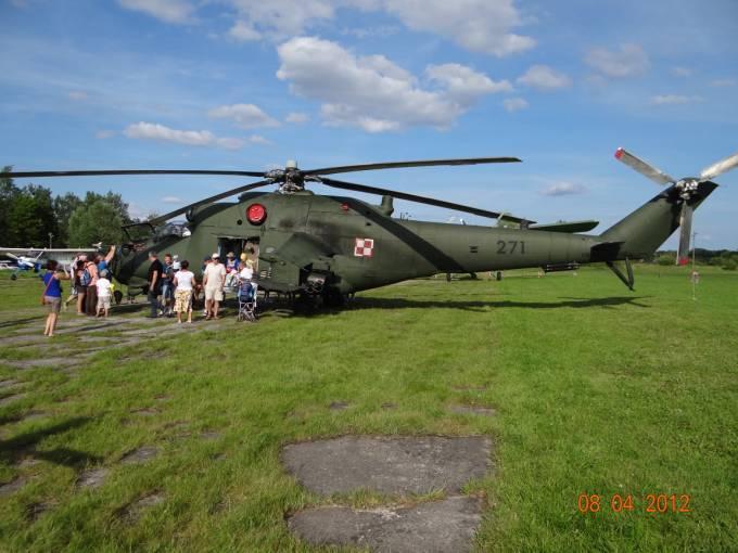 Mi-24 nb 271 na Lotnisku Wilamowo 2012r.