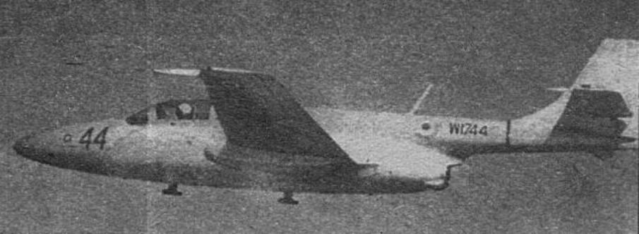 Indyjski TS-11 nb 44 w locie 1985 rok. Zdjęcie WAF