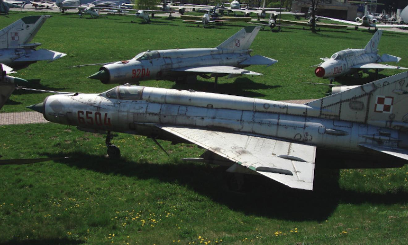 MiG-21 MF nb 6504. Czyżyny 2009 rok. Zdjęcie Karol Placha Hetman