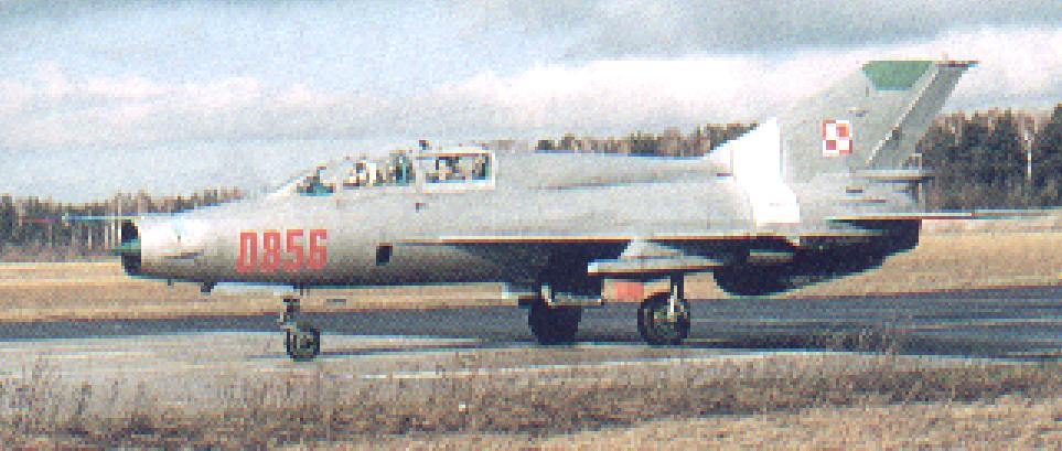 Pierwszy MiG-21 UM nb 0856 sprowadzony do Polski. Zdjęcie LAC