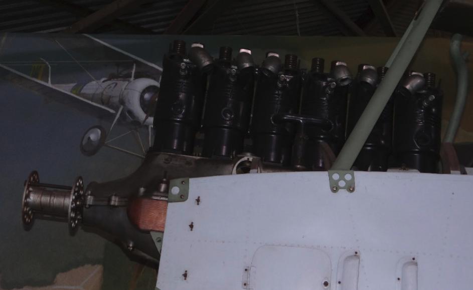 Silnik rzędowy 6-cylindrowy w samolocie Albatros C.1. 2016 rok. Zdjęcie Karol Placha Hetman