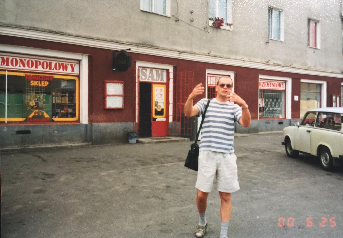 Blok Nr 4 to centrum handlowe osiedla. 2000 rok. Zdjęcie Karol Placha Hetman