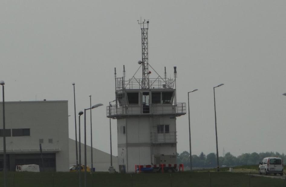 Wieża kontroli lotów Portu Lotniczego Lublin w Świdniku. 2016 rok. Zdjęcie Karol Placha Hetman