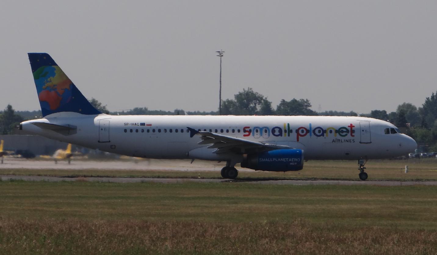 Airbus A-320-200 rejestracja SP-HAC. 2015 rok. Zdjęcie Karol Placha Hetman